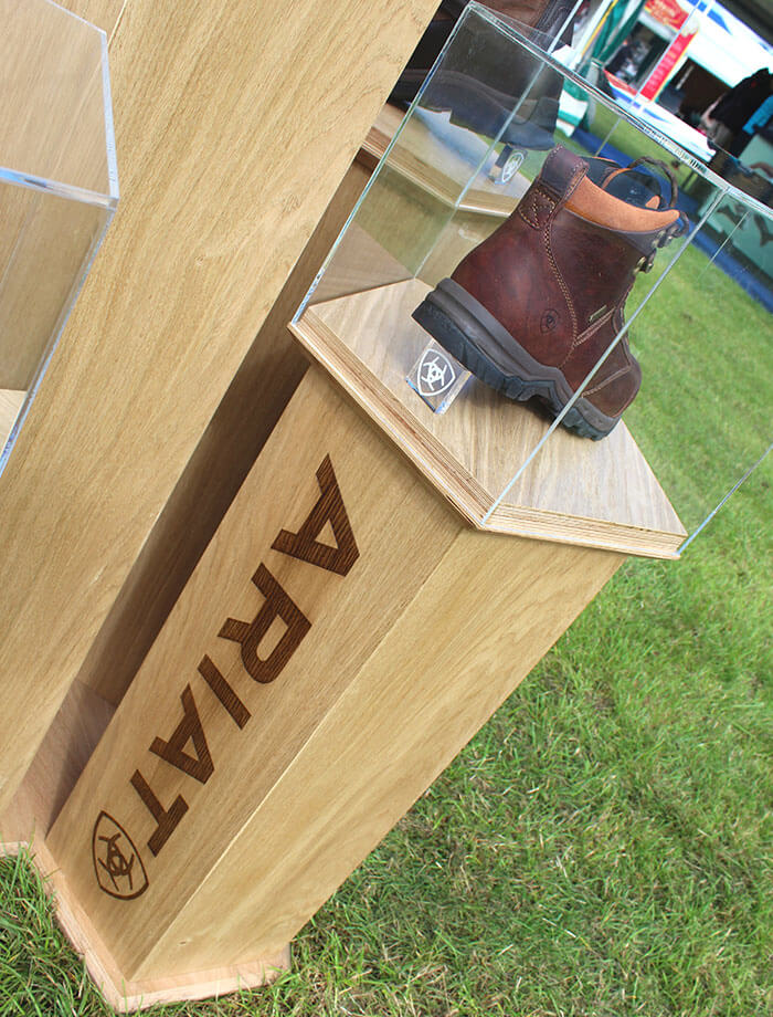 Ariat Country Display